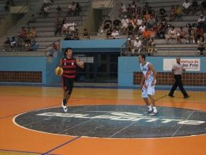 Flamengo arrasa mais um no basquete