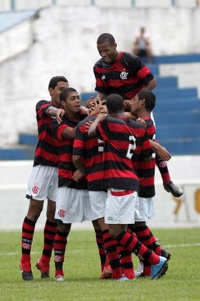 Flamengo estreia com goleada na Copinha