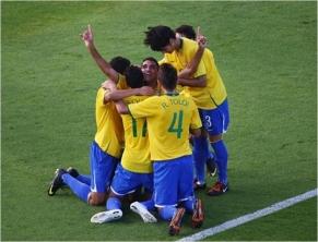 Brasil segura pressão e vai à final no sub-20
