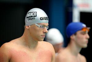 Cielo vence 100m livre e, de quebra, Michael Phelps