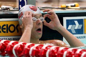 Nadadores rubro-negros em ação