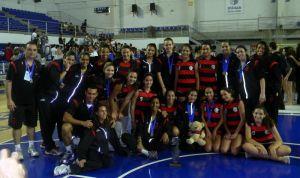 Equipe de vôlei infanto do Fla é campeã da Copa Minas Internacional