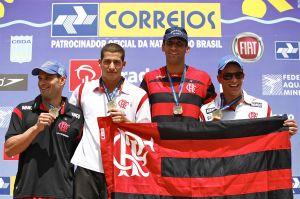 Joanna Maranhão e revezamento 4x50m masculino são ouro