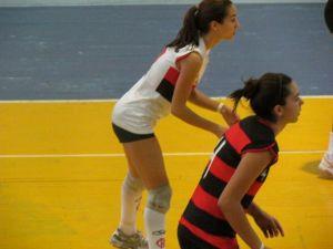 Líbero rubro-negra é convocada para a seleção infantil de vôlei