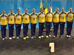 Com rubro-negras, Seleção é ouro no Sul-Americano de nado