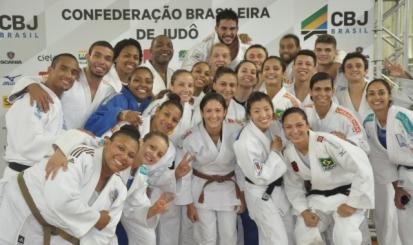 Bárbara Timo e Danielle Karla dão mais um passo à Rio-2016