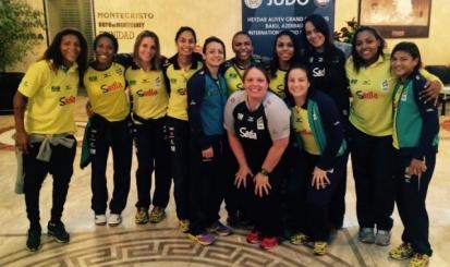 Bárbara Timo treina no Japão com a Seleção Brasileira