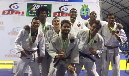 Flamengo sobe ao pódio no Estadual por Equipes de judô