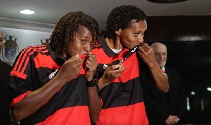 Jogadoras do novo time de futebol falam sobre emoção de vestir o Manto Sagrado