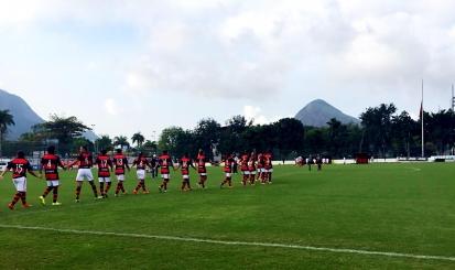 Futebol feminino vence por 12 a 0 em primeiro jogo na Gávea