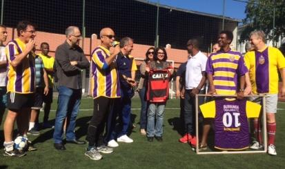 Pelada em homenagem ao rubro-negro Bussunda reúne amigos, familiares e ídolos