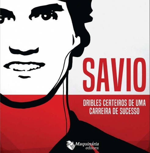 Savio lança livro em tarde de autógrafos na loja Nação Rubro-Negra de Icaraí