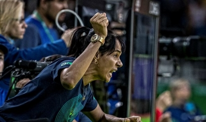 Treinada por Rosicleia Campos, Rafaela Silva vai à semifinal