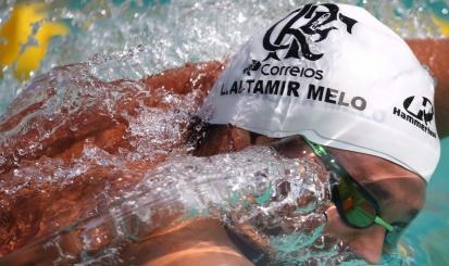 Luiz Altamir e Ana Giulia Zortea nadam Finais A no Troféu José Finkel