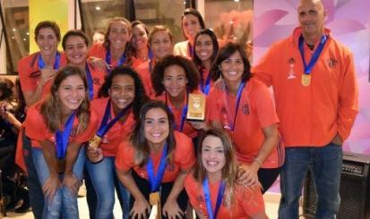 Equipe feminina rubro-negra é campeã da 3ª Etapa do Brasil Open de Polo Aquático