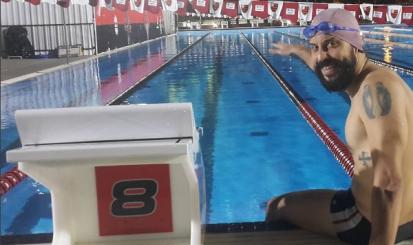 Gabriel, o Pensador aprova nova piscina do Flamengo