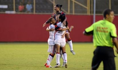 Flamengo/Marinha estreia bem e derrota Vitória no Barradão