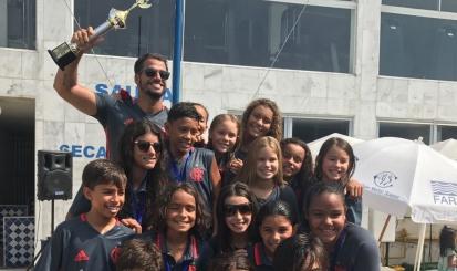 Equipe Petiz é campeã geral no III Troféu Dr. João Havelange de natação