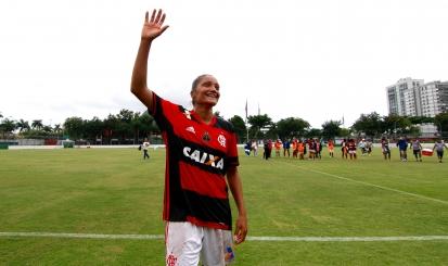 Artilheira do último Brasileirão, Larissa comemora gol e vitória do Flamengo/Marinha