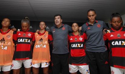 """Ricardo Abrantes avalia desempenho rubro-negro e afirma: """"Flamengo tem que vencer sempre"""""""