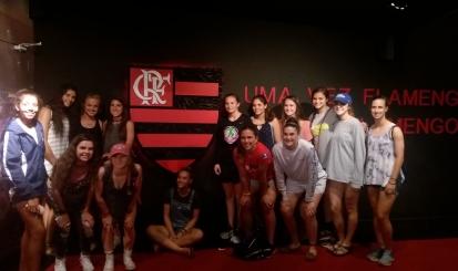 Equipe de base norte-americana do futebol feminino visita Gávea