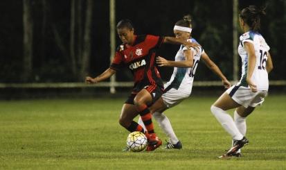 Fora de casa, Flamengo/Marinha bate Foz Cataratas/Coritiba e garante quarta vitória seguida