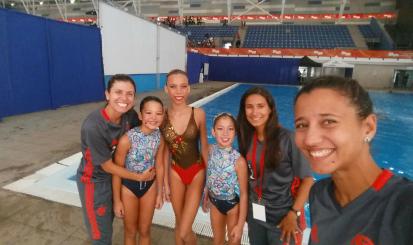 Conheça Marina Valadão, treinadora do nado sincronizado rubro-negro