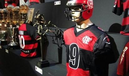Fla Memória recebe jogadores e homenagem ao Flamengo FA