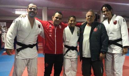 Sarah Menezes visita dojo da Gávea