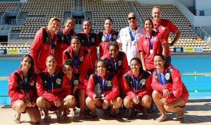 Equipe feminina de polo aquático se prepara para estreia na Liga Nacional