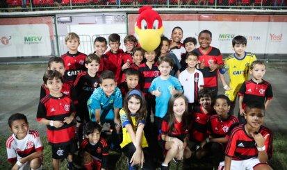 Flamengo promove ação de Dia das Crianças no RioZoo em apoio à preservação do urubu-rei