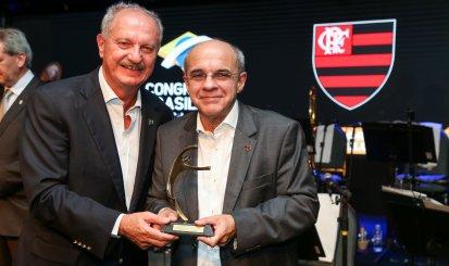 Eduardo Bandeira de Mello é eleito Presidente do Ano no Prêmio Fenaclubes
