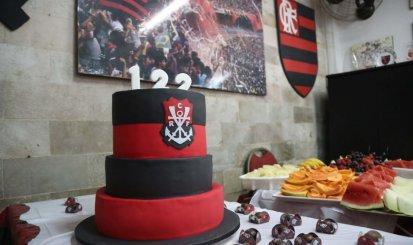 Aniversário de 122 anos do Flamengo é comemorado na Gávea