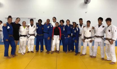 Primeiro treinamento da seleção brasileira em 2018 conta com presença de Danielle Karla