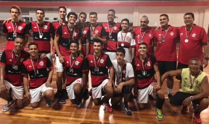 Flamengo conquista a prata no Torneio Início de Vôlei Infanto
