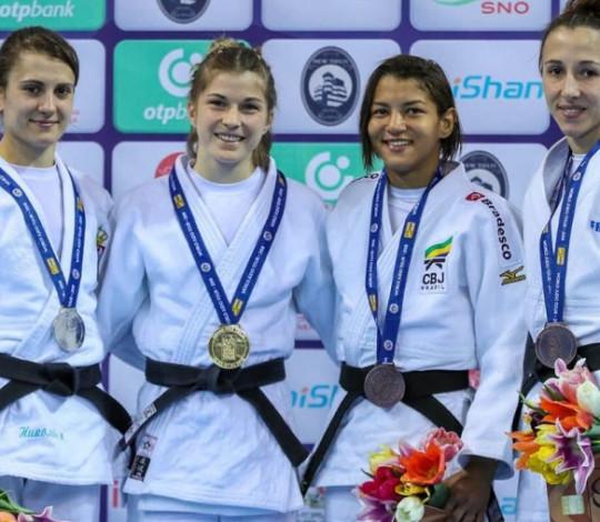 Sarah Menezes conquista a medalha de bronze na Geórgia