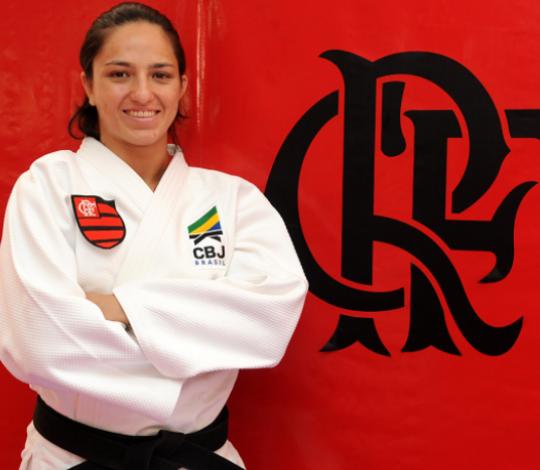 Dani Karla participa de treinamento de campo internacional