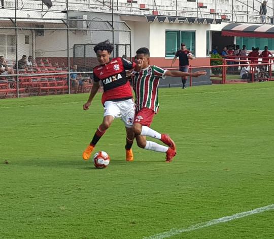 Sub-15 derrota Fluminense e lidera a Taça Guanabara