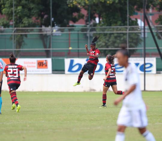 Com golaço de Bárbara, Flamengo/Marinha vence Ponte Preta pelo Brasileirão Feminino