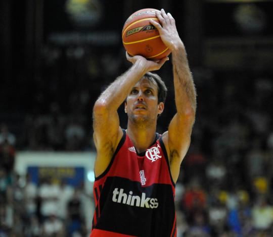 BuzzFla - Marcelinho Machado, o maior ídolo do basquete Rubro-Negro