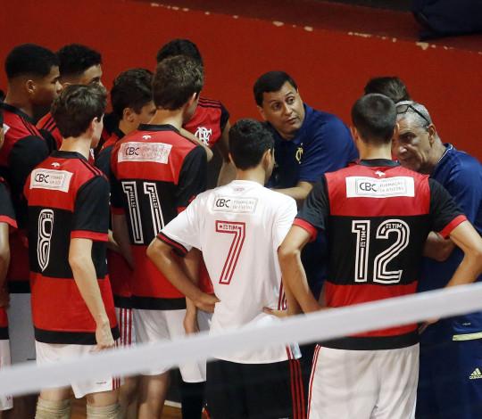 Equipes rubro-negras estreiam na segunda fase do Campeonato Estadual de Vôlei