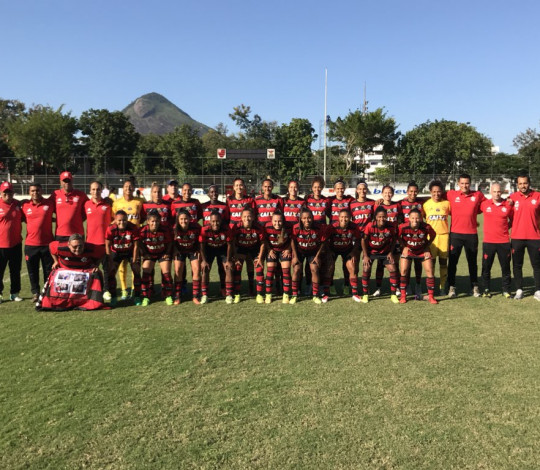 Com raça e show de Bárbara, Flamengo/Marinha derrota Vitória-PE