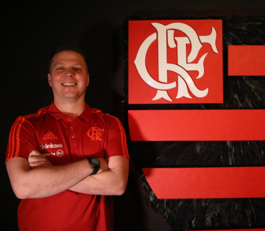 Gustavo De Conti chega ao Flamengo, destaca grandeza do clube e promete intensidade: 200%