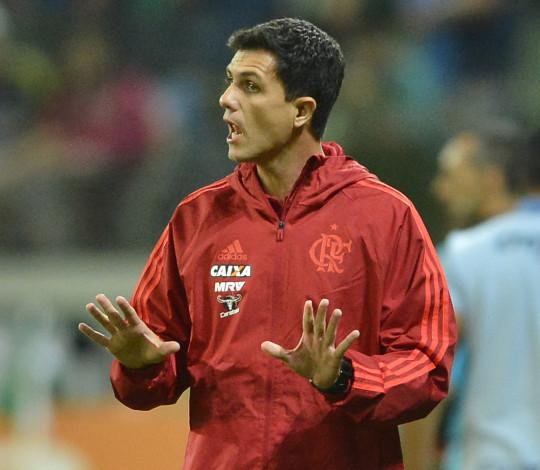 Mauricio Barbieri elogia resultado final fora de casa e atitude da equipe