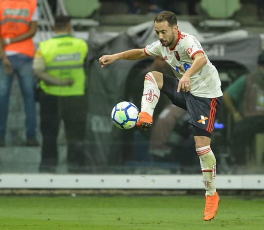 Everton Ribeiro destaca ótima campanha no primeiro semestre
