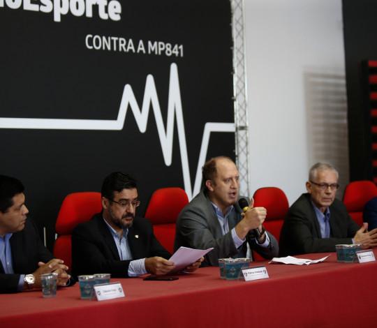 Representantes dos quatro grandes clubes do Rio de Janeiro se unem contra MP841