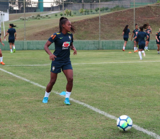 Rayanne, Juliana e Carol são convocadas para período de treinos na Seleção Brasileira