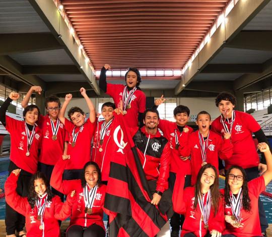 Nadadores rubro-negros conquistam medalhas no Paraguai