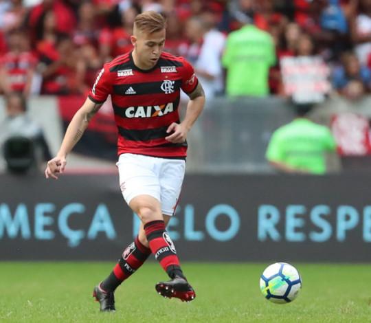 Piris da Motta analisa estreia e Vitinho já projeta duelo pela Copa do Brasil