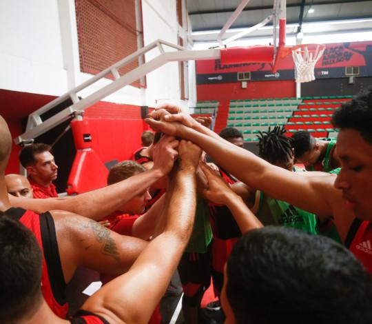 65ca6842a9c84 Flamengo estreia no Campeonato Carioca de Basquete 2018 - Flamengo